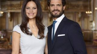H.K.H. Prins Carl Philip och fröken Sofia Hellqvist. Fotografiet är taget i Vita Havet på Kungliga slottet, april 2015. /  H.R.H. Prince Carl Philip and Miss Sofia Hellqvist, the photo is taken in The White Sea Hall at the Royal Palace in Stockholm, Sweden. April 2015.