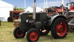 Traktor-(4)