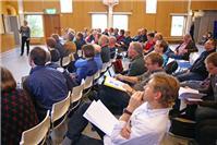 Publiken lyssnar uppmärksamt på Sofia Dehlin från SLU, Skara.