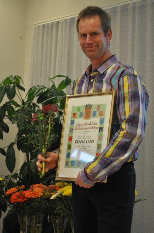 Ola Danielsson mottog pris för bästa mjölkko av SJB-ras.