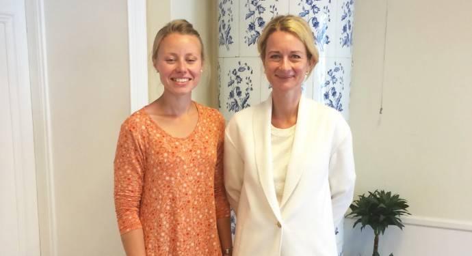 Johanna Ersborg och Lärke Johns från Strandskyddsdelegationen.